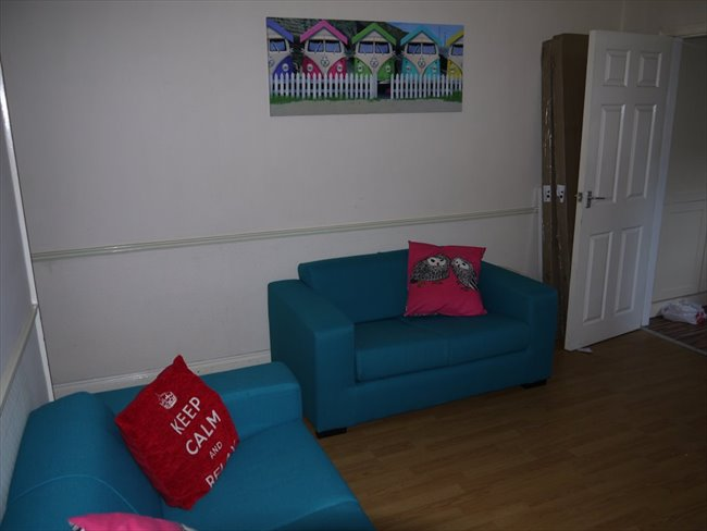 Room to rent in Lenton Abbey - DOUBLE BED AVAILABLE IN STUDENT HOUSE IN BEESTON - Image 6