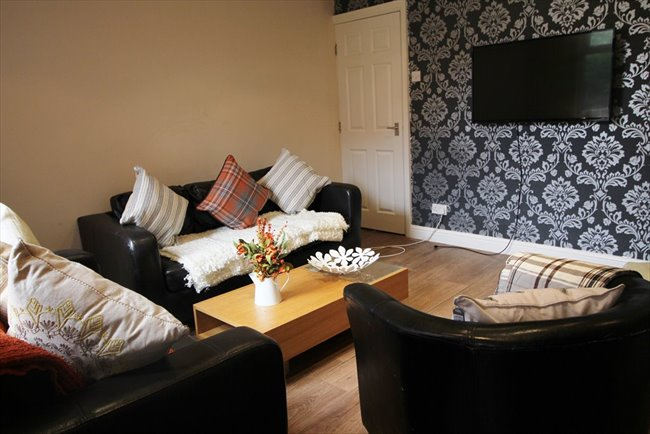 Room to rent in Headingley - Modern and Central Headingley Student House Share Available from 1st July BILLS INCLUDED - Image 7