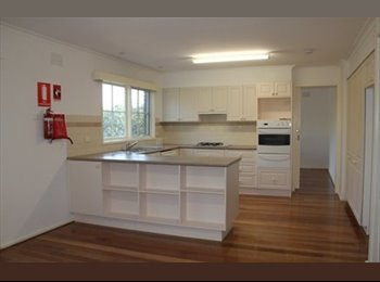 EasyRoommate AU - ACCOMMODATION - LARGE - CLEAN + BRIGHT, Forest Hill - $250 pw