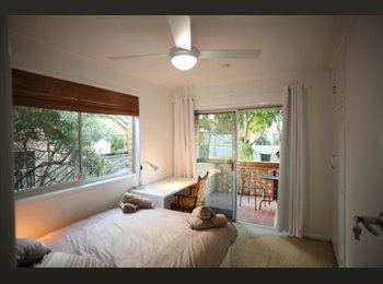 EasyRoommate AU - Single rooms; Scott Rd Herston; from $175 pw., Red Hill - $220 pw
