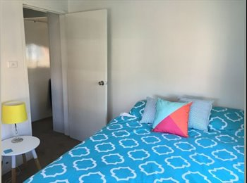 EasyRoommate AU - The Hill room to sublet furnished, Newcastle - $160 pw