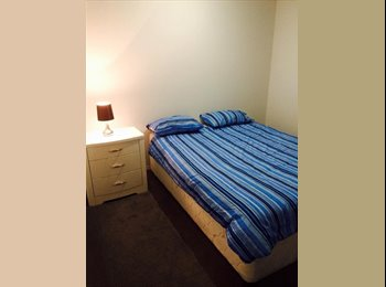 EasyRoommate AU - Bright, modern, clean and close to everything!, Hendon - $180 pw