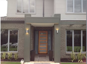 EasyRoommate AU - Modern Town House in Bayside Area, Hampton - $250 pw