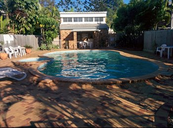 EasyRoommate AU - Quiet townhouse community with pool and lock up garage!, Southport - $200 pw