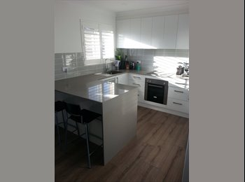 EasyRoommate AU - $200/wk renovated unit in mereweather, Hamilton - $200 pw