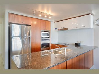 EasyRoommate AU - 4.5 Star Luxury Resort Apartment in the Heart of Surfers Paradise with Views, Gold Coast - $350 pw