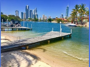 EasyRoommate AU - Room For Rent... Be Quick... Waterfront Location!!, Gold Coast - $200 pw
