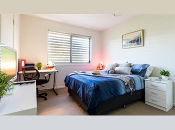 EasyRoommate AU - Luxurious Student Accomodation, Red Hill - $200 pw