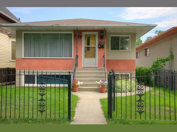 EasyRoommate CA - Excellent Shared Student House, Edmonton - $520 pcm