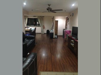 EasyRoommate SG - Looking for a Female Roommate to Share a common room near Clementi MRT, Clementi - $500 pm