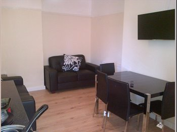 EasyRoommate UK - Dbl - ensuite -  CH2 opp hospital nr rail station, Chester - £500 pcm