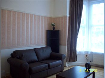EasyRoommate UK - 1 vacant double room and 1 triple room at current time., Grimsby - £300 pcm