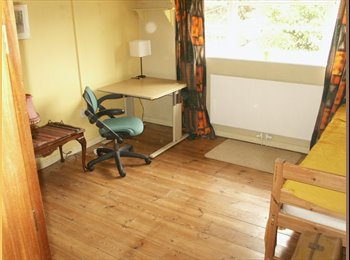 EasyRoommate UK - 4th person/own room/house share edge of  NW London, Gerrards Cross - £240 pcm