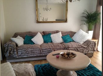 EasyRoommate UK -  furnished DOUBLE and SINGLE ROOM AVAILABLE, Woking - £500 pcm