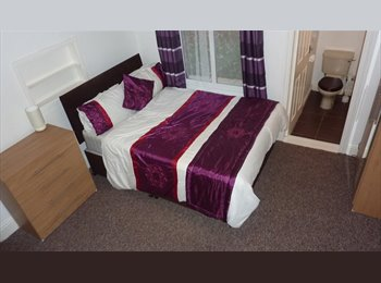 EasyRoommate UK - DOUBLE ROOM WITH TV COVENTRY-BILLS+CLEANING INCLUDED, Stoke Aldermoor - £405 pcm