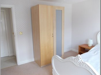 EasyRoommate UK - 1 no Double Room Available for Professional Person, Blackpool - £450 pcm