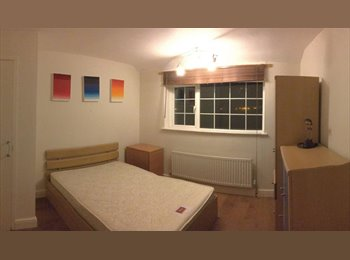 EasyRoommate UK - Spacious double room available in Wantage, Wantage - £575 pcm