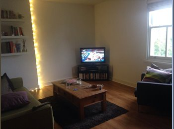 EasyRoommate UK - Double room available near to Lark Lane!!, Dingle - £358 pcm