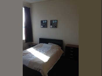 EasyRoommate UK - SELF CONTAINED STUDIO, Accrington - £433 pcm