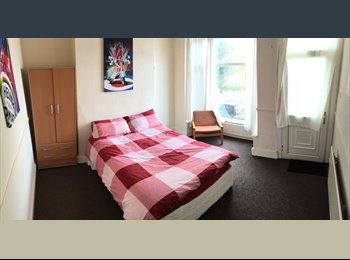 EasyRoommate UK - Great location and tenants! All Bills Included *FREE Cleaner too*, Sharrow - £379 pcm