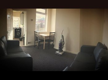 EasyRoommate UK - Newly Refurbished House 3 Double Rooms Available, Fenton - £250 pcm
