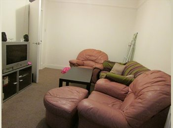 EasyRoommate UK - Double room in Barking for 1 person, Barking - £465 pcm