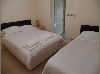 EasyRoommate UK - lovely en-suite bed room in comfortable relaxed house, Neston - £450 pcm
