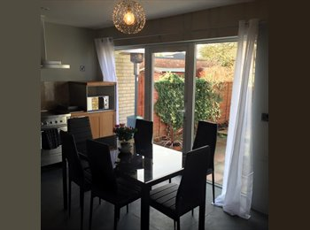 EasyRoommate UK - **Luxury Spacious Professional House in Cambridge**, Cherry Hinton - £850 pcm