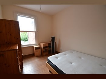 EasyRoommate UK - Refurbished  5 Double Bedroom Flat, Westcotes - £380 pcm