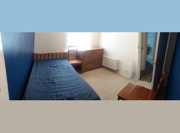 EasyRoommate UK - Rent a Room close to J. L. Airport, Hunts Cross - £230 pcm