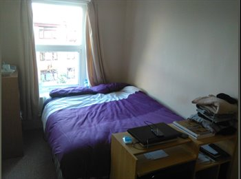 EasyRoommate UK - LARGE DOUBLE and TWIN  ROOMS FOR RENT IN BOURNEMOUTH CITY CENTRE, Bournemouth - £480 pcm