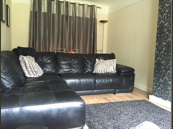 EasyRoommate UK - Double room, Ellesmere Port - £390 pcm