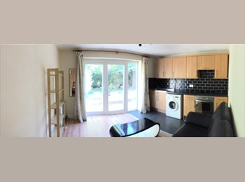 EasyRoommate UK - Great Location - Filton Road , Horfield - £495 pcm