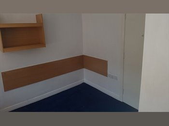 EasyRoommate UK - Bedsit flats available in Blackpool for £115PCM!, Blackpool - £115 pcm