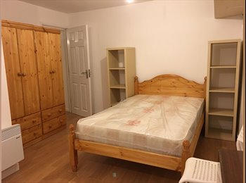 EasyRoommate UK - Modern Studio Available, Only 14 minutes walk to Cov Uni, Barras Heath - £550 pcm
