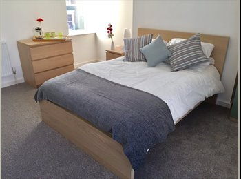 EasyRoommate UK - Luxurious Rooms in this Newly Refurbished House, Litchurch - £400 pcm