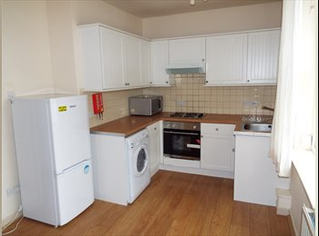 EasyRoommate UK - 2 Bedroom Student Flat Walking Distance To City Centre, Hockley - £393 pcm