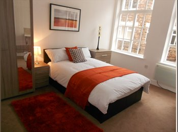 EasyRoommate UK - Large rooms in spacious refurbished house, Birkenhead - £375 pcm