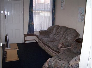 EasyRoommate UK - Double Room available in shared house, Safe area -  Mossley Hill, Liverpool , Mossley Hill - £286 pcm