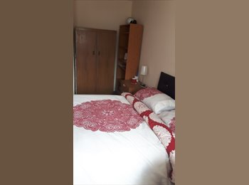 EasyRoommate UK -  Available mid June. Spacious Double Room. 1 min walk from Salford University, Salford - £450 pcm