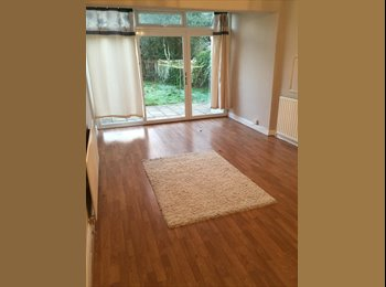 EasyRoommate UK - METROPOLITAN LINE + TOWN CENTRE & JUNCTION, Watford - £600 pcm