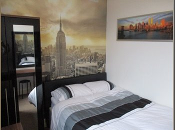 EasyRoommate UK - New York Themed double room to let Gay or Bi men house share £80PW, Blackpool - £350 pcm
