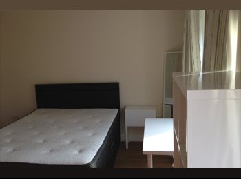 EasyRoommate UK - Self contained studio in Cambridge, Church End - £825 pcm