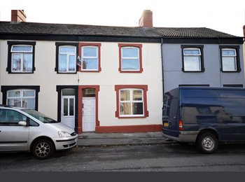 EasyRoommate UK - 5 DOUBLE ROOMS TO RENT - BILLS INCLUDED - GRANGETOWN, CARDIFF, Grangetown - £350 pcm