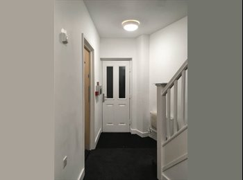 EasyRoommate UK - New Cathedral Campus Room - ASAP Move In, Liverpool - £420 pcm