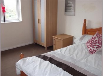 EasyRoommate UK - Excellent large Double room - close to CMK!!  , Milton Keynes - £450 pcm