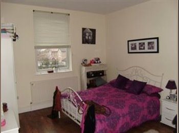 EasyRoommate UK - Lovely room for 25+ years professional female in West Didsbury!!, Withington - £450 pcm