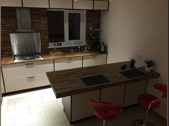 EasyRoommate UK - Double furnished ensuite in a newly built house , Milton Keynes - £550 pcm