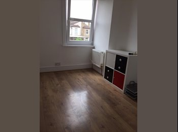 EasyRoommate UK - New Amazing Bright House Close to Norbury Station, Norbury - £495 pcm