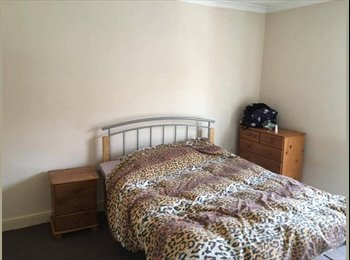 EasyRoommate UK - Double room 350\500 pcm bills inclusive(single\couple) NR3 2JA, Norwich - £350 pcm